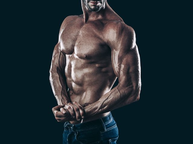 筋肉質な男