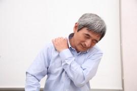 肩痛の原因である四十肩、五十肩の原因と改善方法