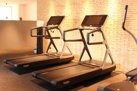 トレッドミルでのジョギング効果を最大限に延ばす9つの方法