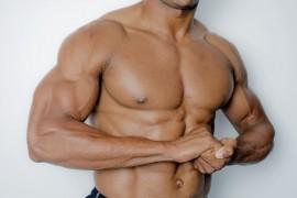 トップボディビルダーに学ぶ大胸筋を鍛え上げる方法