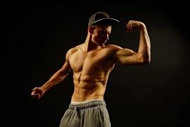 より早く筋肉をつけるのに重要な10個の方法