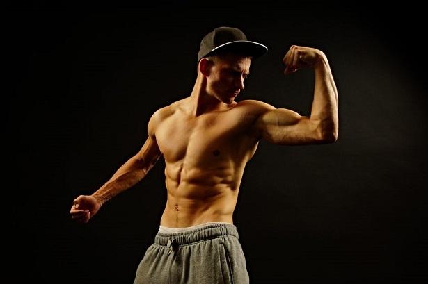 筋肉質なモデル