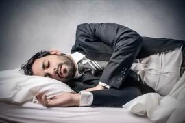 肥満リスクも上昇!?睡眠不足が及ぼす身体への悪影響
