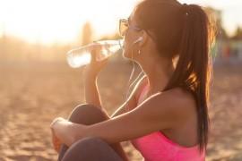 『水』で水分補給することが大切な理由と健康効果5つ