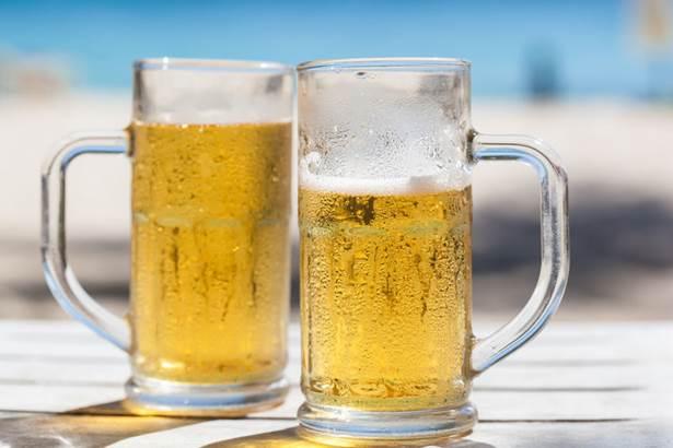 浜辺 ビール