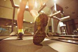 トレッドミルでのジョギングの長所と外ランニングとの違い