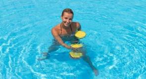 骨盤の傾きを改善する水中トレーニング方法を紹介!