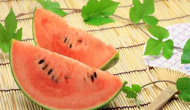 トレーニング後の疲労回復に効果的な果物3つ