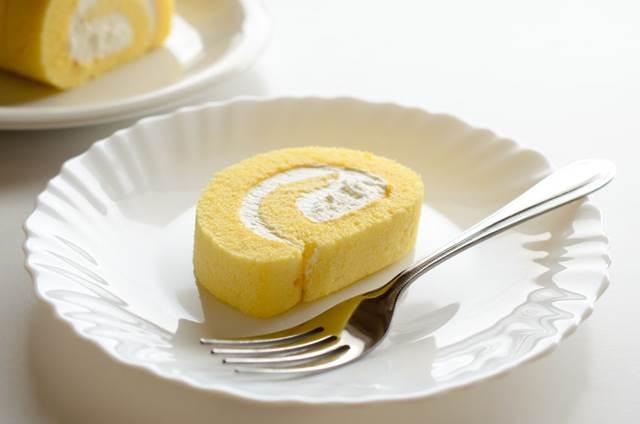 60162216 - roll cake