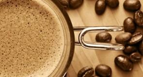 コンビニで買えるカフェインレス、デカフェ飲料まとめ!