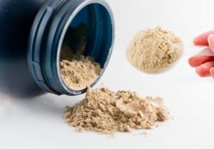 プロテインやタンパク質の過剰摂取で屁が臭くなる原因と改善方法!