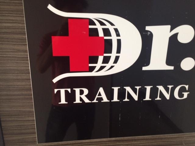 ドクタートレーニングスクール ロゴ